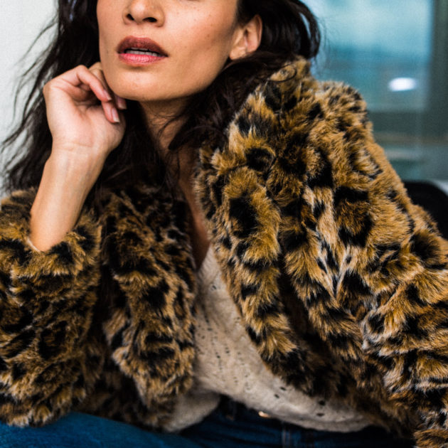 Indoor Fashion Shooting Nadine Vinzens und Fotografin Stefanie Chareonbood